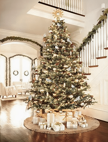 Holiday Decor: How To Decorate Without Losing Your Design Style